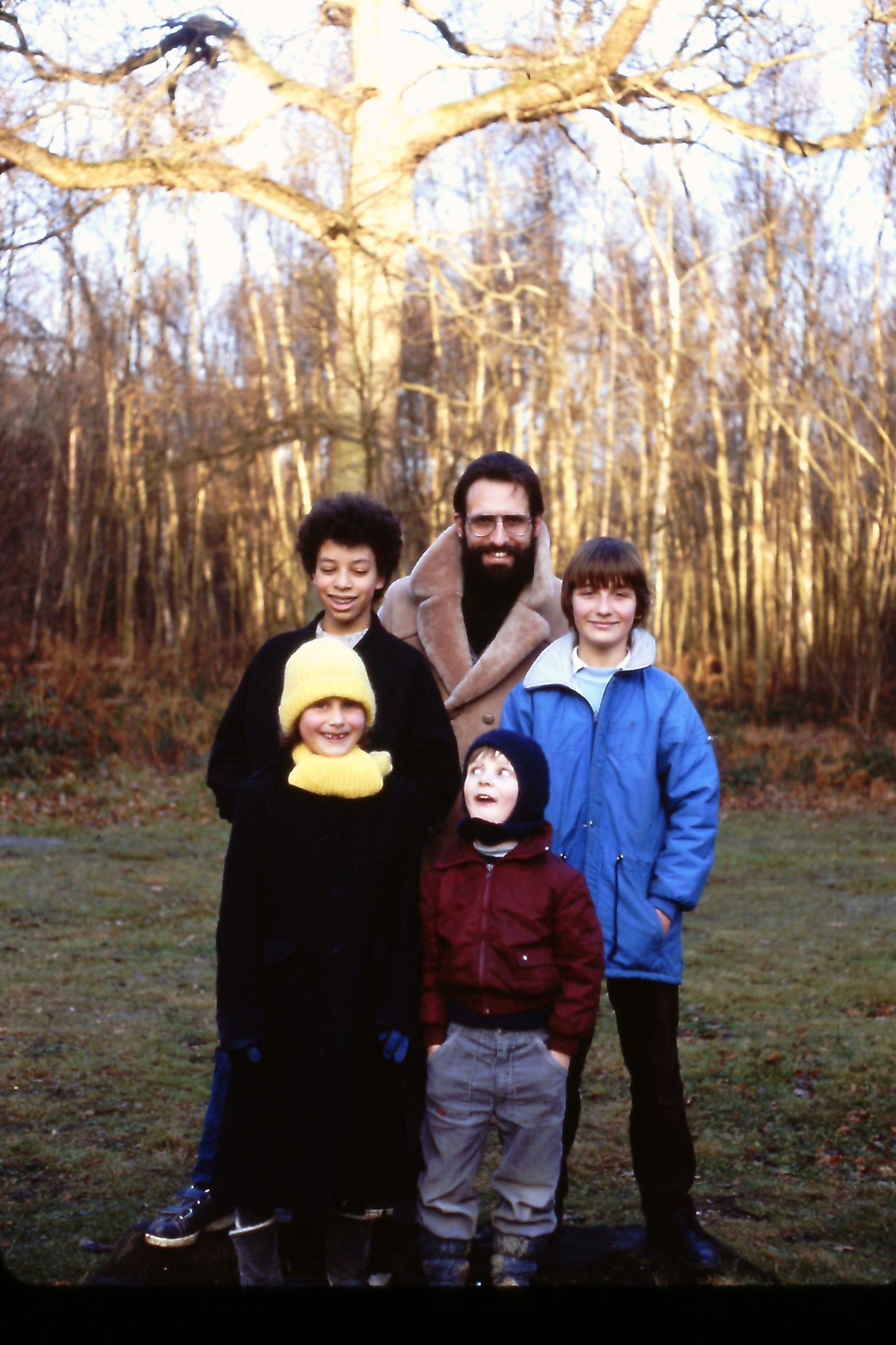 Z dziećmi w kanadyjskim lesie